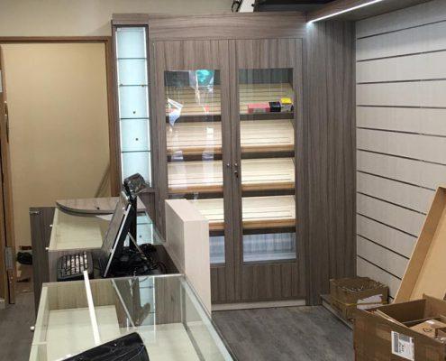 instalación de mostradores para tiendas